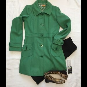 Stunning Tulle Long Green Winter Coat Large
